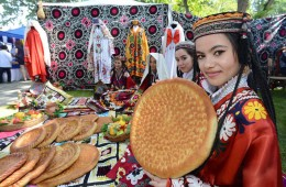 Main festivals of Uzbek ethnic minority