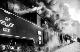 Mocăniţa: Black & White Images Showing Borderline Steam Train