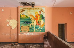 Le-Musée: Incredible Frescoes and Paintings on the Walls of Abandoned Homes