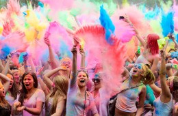 Holi festival of colors kicks off in India