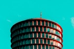 Hamburg Minimal: Capturing Hamburg Architecture in Pop Colors[14]