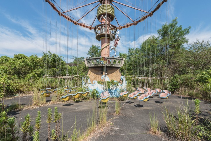 Faded Dream: Once Famous Amusement Park Became Sleeping Beauty